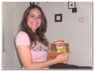 A Manuela recebeu a Caixa de Temperos Sazón