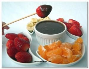 Receita de Fondue de Chocolate para quem não tem um aparelho de fondue