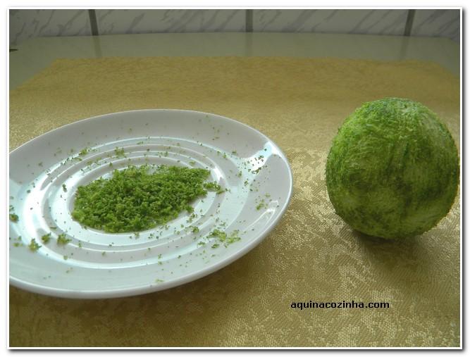 Receita: Bolo de Limão Raspas-de-lim%C3%A3o-4