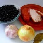 Feijão Preto Com Bacon e Calabresa  (2)