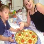 Pizza à moda da casa da Eloah e do Augusto
