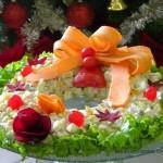 Salada Natalina em Forma de Guirlanda