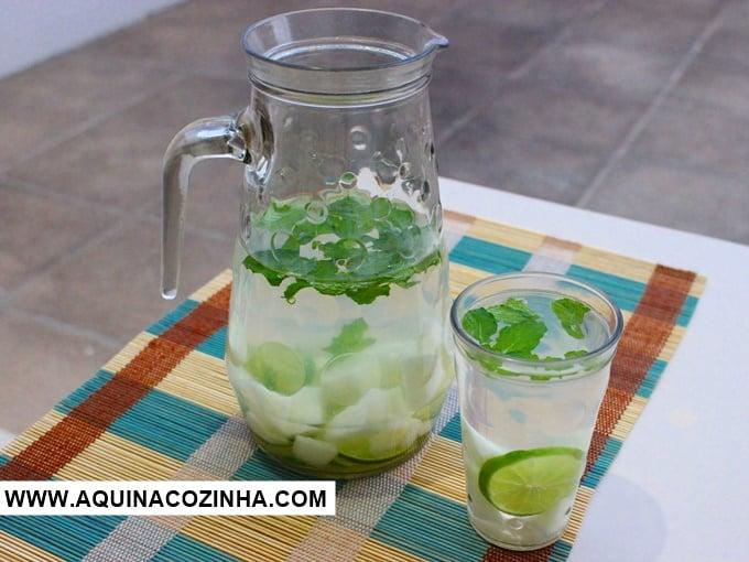 Agua saborizada de melao, limao e hortela
