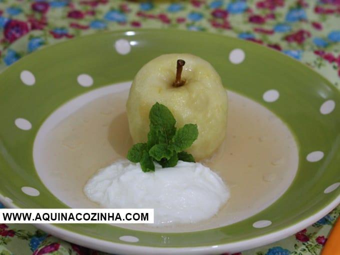Sobremesa de Maçã Cozida (ótima para dias frios)